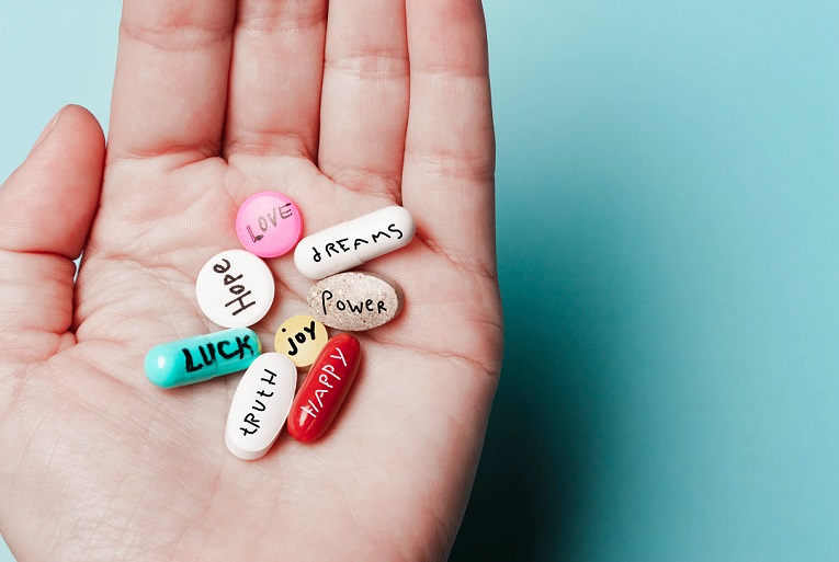 The,Concept,Of,Creative,Pills,,A,Placebo,In,The,Hand,