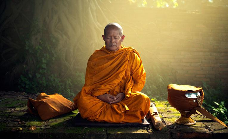 Tibetan-monk-meditation